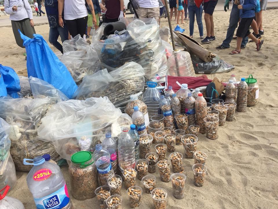 Nettoyage de plage à Barcelone
